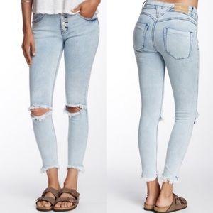 One teaspoon dixie rip knee light wash skinny jean